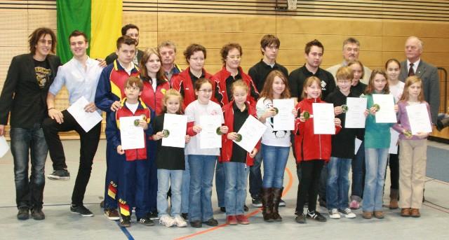 Sportpalette 2011: Gruppenfoto geehrte Sportler Judo